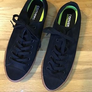 Converse Chuck Taylor suede M-10/ W-12.5 New Cond.